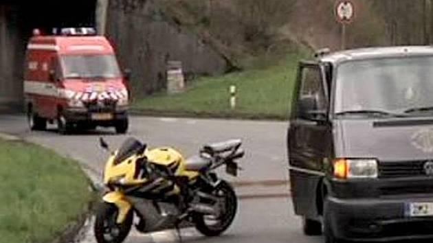 Tragická nehoda motorkáře mezi Hranicemi a Valašským Meziříčím
