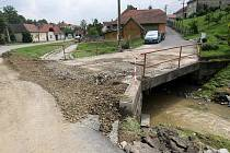 Černotín: místo tragického pádu muže do rozbouřené řeky