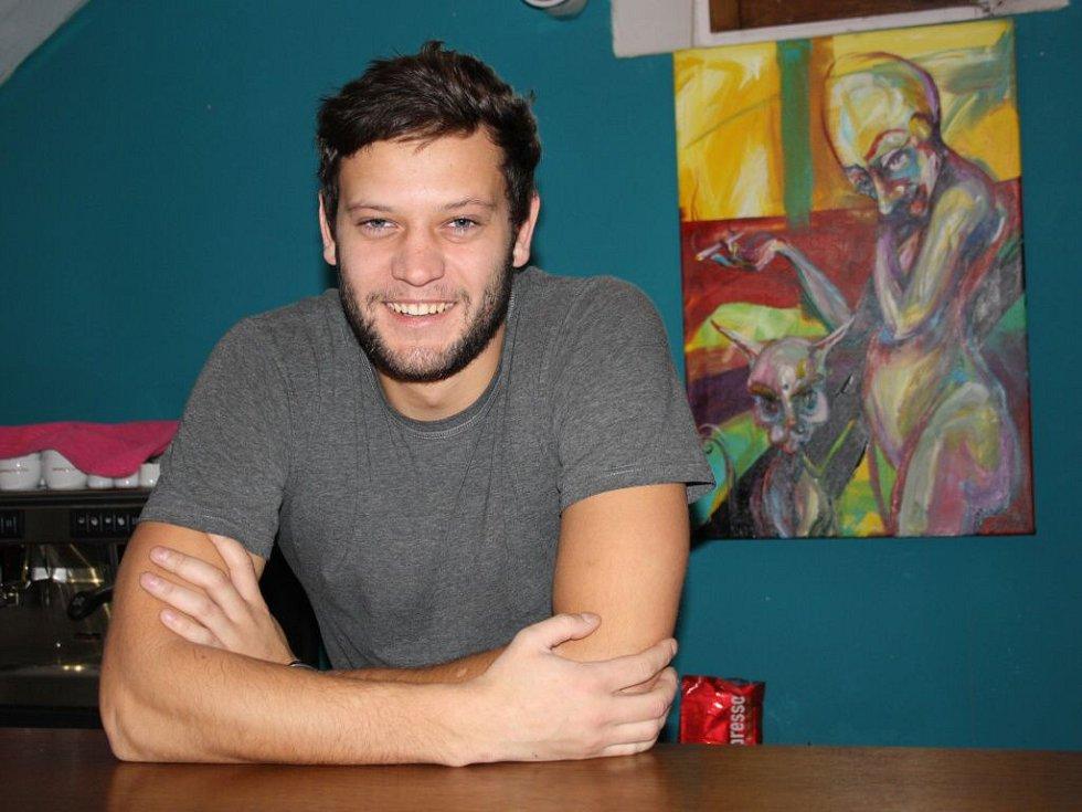 Syn majitelky Caffe art gallery Libor Antonín