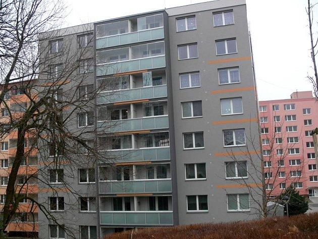 Panelový dům č. 1738 na Galašově ulici s novou fasádou byl jedním z návrhů na Stavbu roku 2012