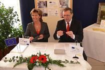 Podpis smlouvy o poskytnutí dotace na nástavbu lázeňského domu Janáček v Teplicích nad Bečvou