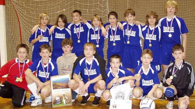 Na závěrečném turnaji loňského roku se mladším žákům SK Hranice A dařilo.
