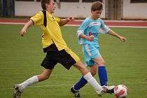 Starší žáci 1. FC Přerov (ve žlutočerném) podlehli rezervě Tescomy Zlín 3:5.