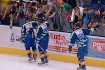 Přerovští hokejisté se zdraví s fanoušky