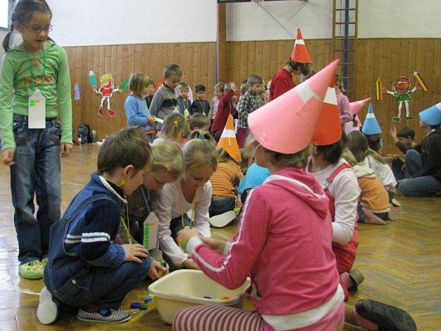 Na ZŠ Struhlovsko připravili pro předškoláky z mateřinek zábavné dopoledne.
