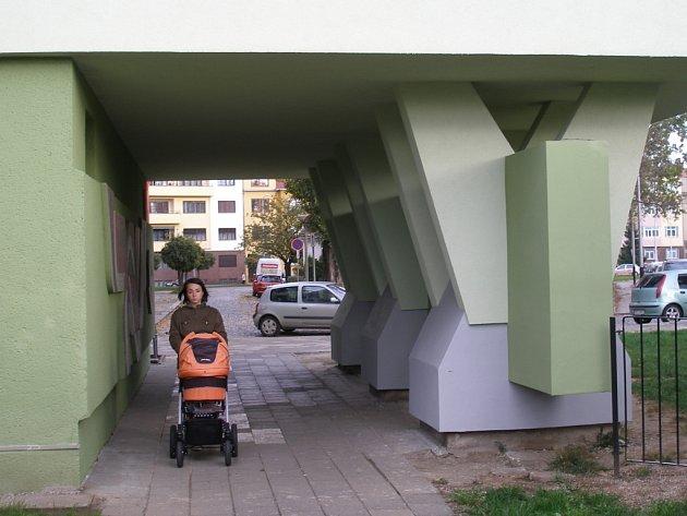 Nájemníci z ulice Velké Novosady v Přerově opravili v rámci rekonstrukce svých domů veřejný podchod.