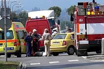 Řidička žluté Fabie nedala přednost motocyklistovi jedoucímu po Plumlovské ulici.