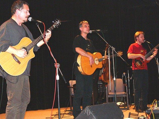 Kapela Neřež vystoupila v rámci tradičního festivalu Hudboslovení, který probíhá v Přerově po celý týden.