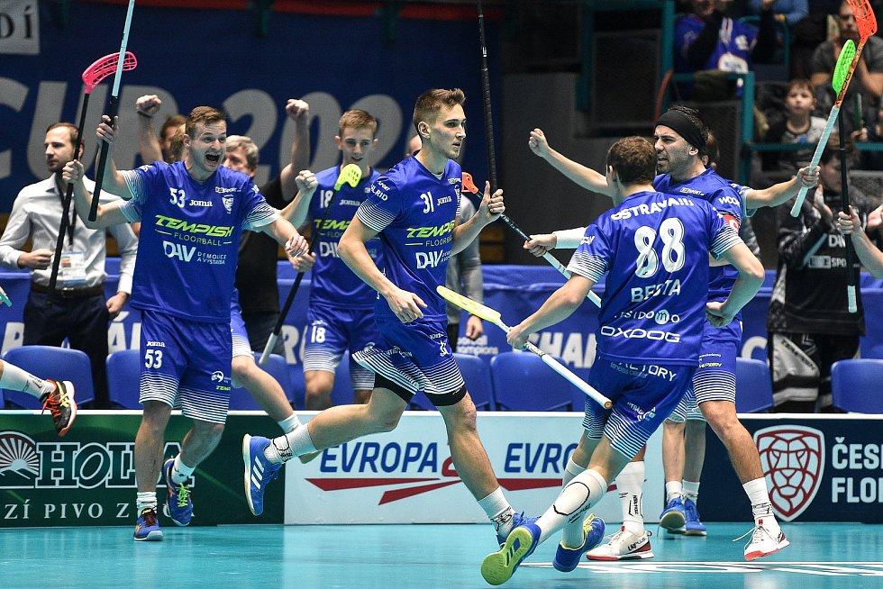 Na snímku (střed) Josef Rýpar z Vítkovic,  Tomáš Sladký z Vítkovic a Jiří Besta z Vítkovic.