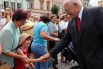 V Uničově přišly na setkání s prezidentem tisíce lidí.