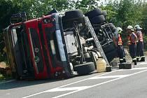 Nehoda kamionu v Miloticích nad Bečvou
