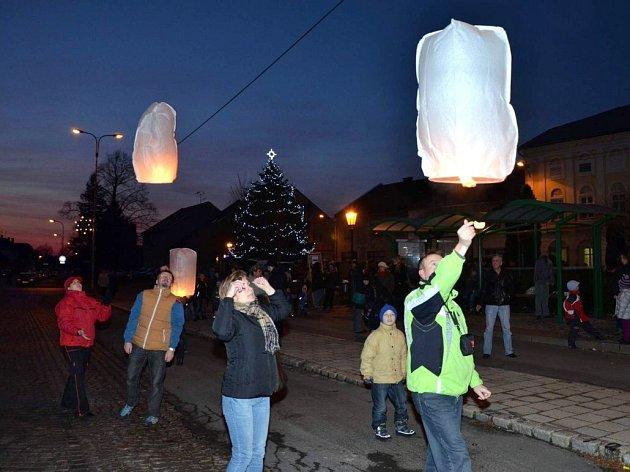 Rozsvěcení vánočního stromu a jarmark v Drahotuších