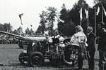 Převzetí traktoru Z-15 ve Vojenské akademii Hranice v roce 1949.