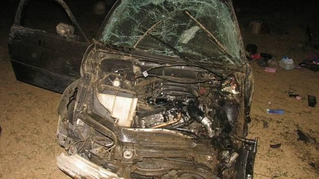 Vážná dopravní nehoda se stala v úterý  vpodvečer na čtyřproudé silnici ve směru od Ostravy. Řidič BMW dostal smyk a s autem se převrátil na střechu