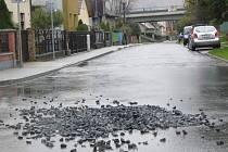 Na Hviezdoslavově ulici se opět kope. Za vše může prasklé potrubí.