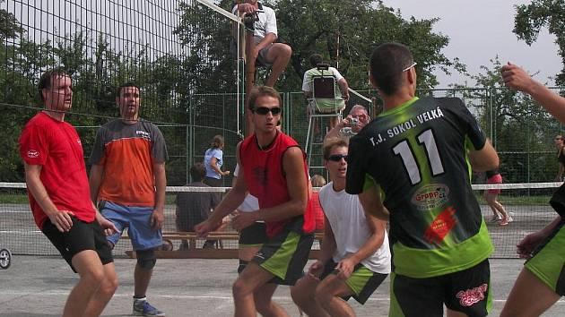 Ve Velké byly viděny kvalitní volejbalové výměny, pěkné smeče a mnoho dalších  hezkých momentů.