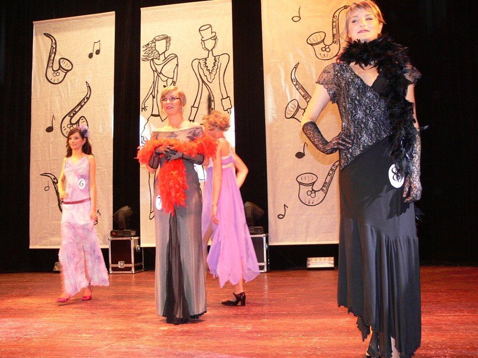 Modely ze Salonu Brigita předvedly nejen soutěžící ale i modelky.