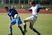 Fotbalisté 1. FC Přerov (v bílém) v posledním utkání letošní sezony krajského přeboru v domácím prostředí porazili Šternberk 2:1 a obsadili konečnou desátou příčku.