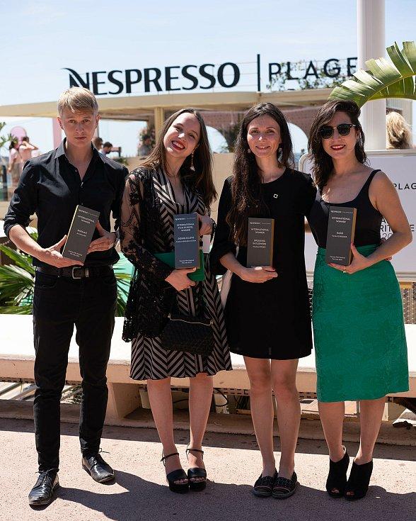 Jan Kellner (vlevo), Cristina Aguilera Ochoa, která za snímek Doing is Love získala Cenu kategorie filmových škol, Nicolina Sterbet, který obdržela v mezinárodním kole třetí cenu se snímkem Speaking in flowers a Faride Schroeder, která uspěla s filmem Oas
