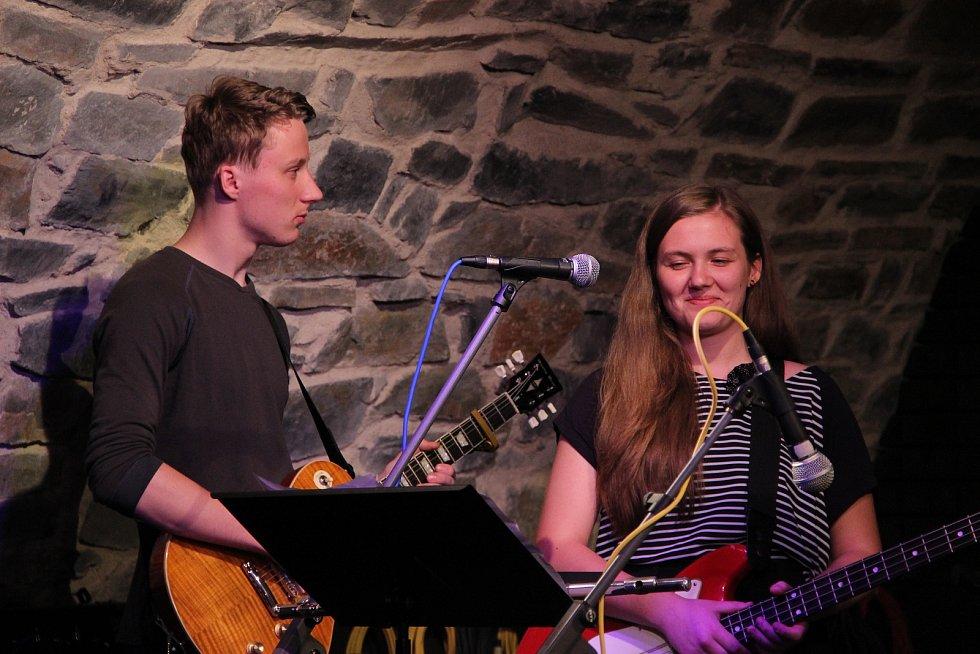 Zámeckým klubem zněly jazzové i bluesové melodie