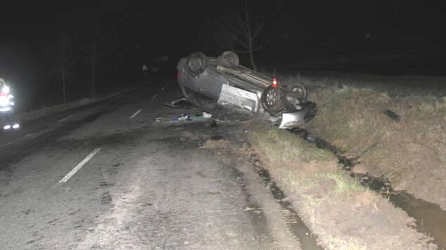 Policisté u řidiče provedli dechovou zkoušku, která naměřila 1, 66 promile alkoholu.