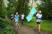 Vojáci ze 143. zásobovacího praporu Lipník nad Bečvou běželi na Helfštýn podpořit Vojenský fond solidarity.