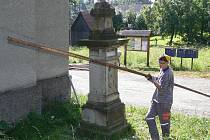 Oprava kostela na návsi ve Středolesí bude probíhat přibližně do konce září.