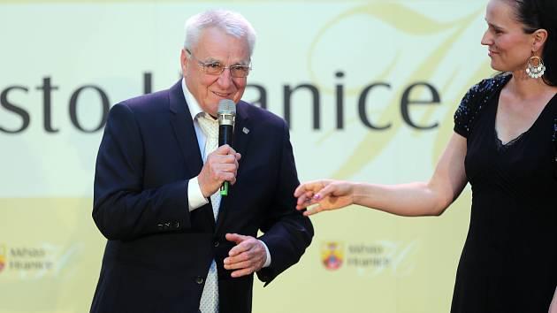 Vyhlášení Nejlepšího sportovce Hranice za rok 2018 se zúčastnil i legendární fotbalový trenér Petr Uličný