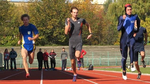 Jan Koňařík (vpravo) zvítězil v klasickém pětiboji.