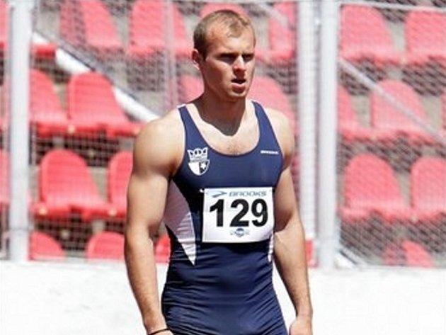 Ondřej Kozlovský získal v halovém MČR v běhu na 60 metrů stříbrnou medaili.