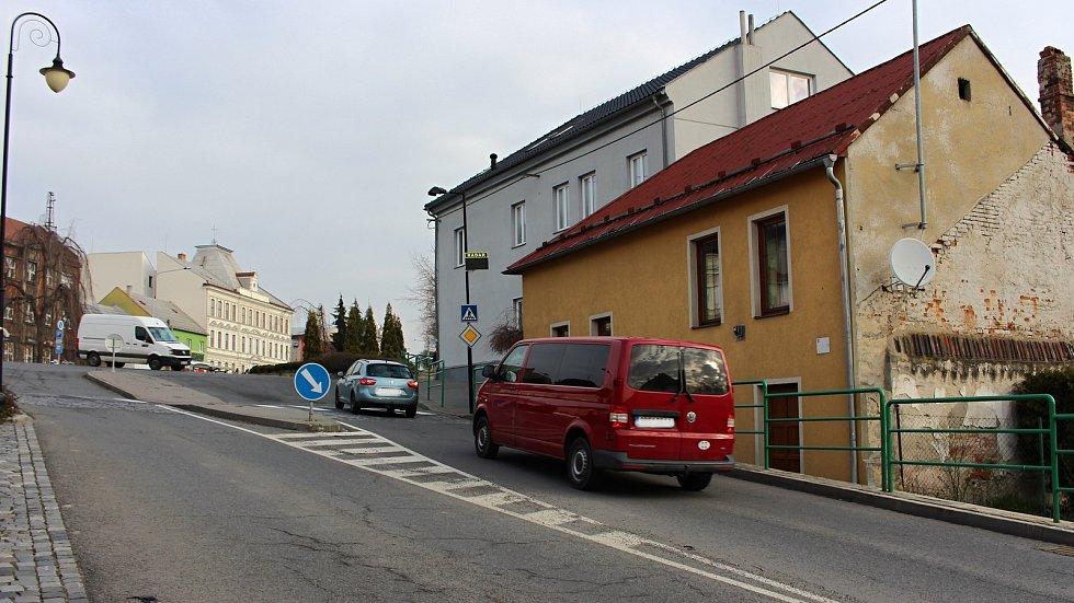 Informativní radary v Hranicích na ulicích Komenského (na snímku) a Kpt. Jaroše