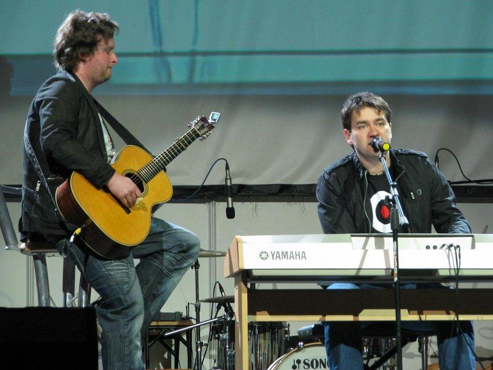 Mosty 2009: Hvězdný večer: Marek Ztracený a kytarista Martin Ledvina