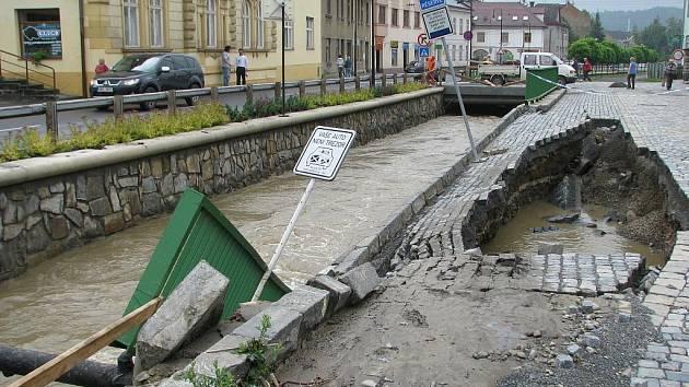 Čtvrtek 25. června dopoledne: Komenského ulice v Hranicích