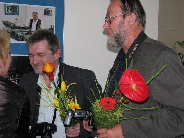 Slavnostní vernisáž zahájila výstavu fotografií Milana Kaštovského a Jiřího Necida z minulých ročníků Evropských jazzových dnů v Galerii severní křídlo zámku.