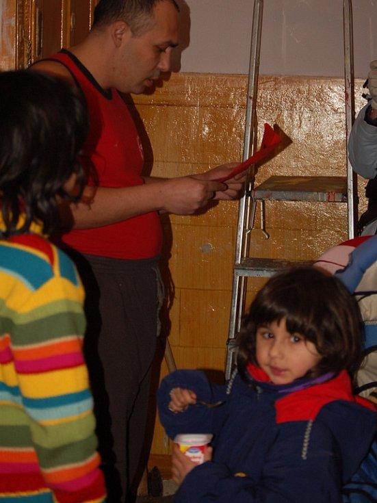 Romy v Přerově vyděsily letáky s rasistickým podtextem. Letáky nabádají k vytvoření domobrany.
