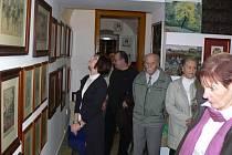 Galerii Sklep obsadily litografie z doby, kdy známí čeští malíři Mucha a Kupka působili jako ilustrátoři francouzských časopisů.