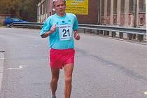 Jiřímu Březinovi chybí už jen jediný maraton k magickému číslu 450 dokončených maratonů.