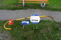 Na voze vznikla škoda 5 tisíc korun a na zastávce 3 tisíce.
