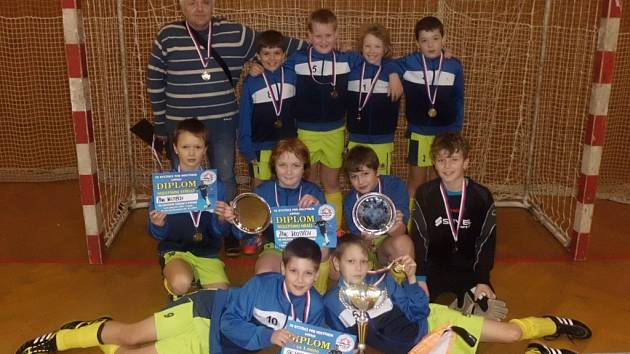 Kluci si z turnaje v Bystřici přivezli zasloužené prvenství.