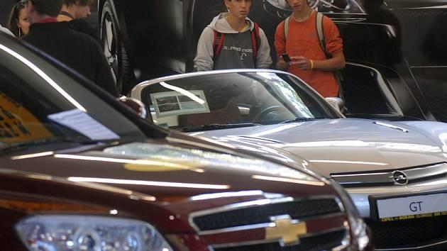 Na olomouckém výstavišti jsou od včerejška k vidění nejnovější modely vozidel různých značek.