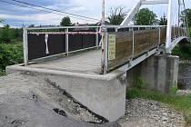 Cyklostezka Bečva je po povodních velmi poškozená