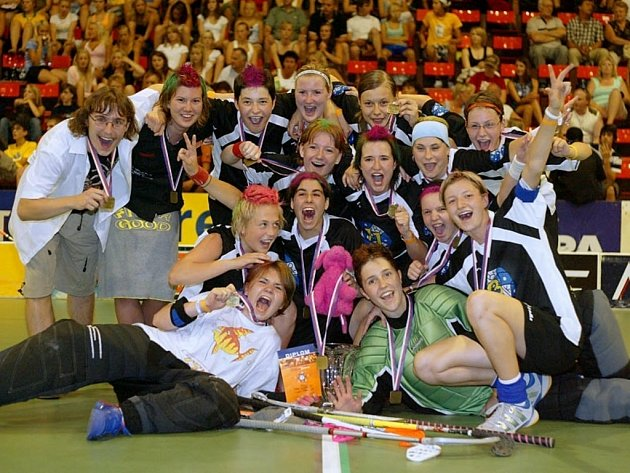 Vítězky Prague Games 2006 společně se svým trenérem Petrem Dadejem.