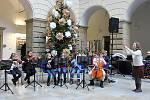 Dětský vánoční jarmark 6. prosince 2019 ve dvoraně zámku v Hranicích.