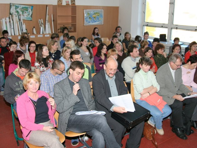 V Přerově se uskutečnilo setkání zástupců kraje s rodiči, studenty a pedagogy.