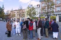 Průvodci chodili s turisty po Lipníku s úspěchem už v roce 2007.