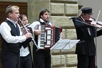 Létající rabín rozezněl dvoranu hranického zámku.