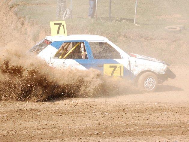 Amatérský autocross.