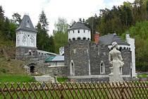 Týn nad Bečvou, Helfštýn, Kunzov, Slavíčský tunel a Teplice nad Bečvou.