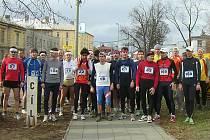 Závodníci na startu Běhu Bezručovými sady.