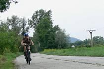 Panelový úsek cyklostezky u Hranic